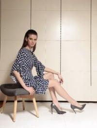 Di Caprio viskozna haljina s preklopom i volanima - plava | Varteks