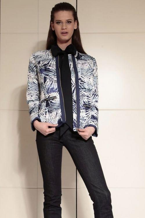 Ženska sportska kratka jakna s cvjetnim uzorkom