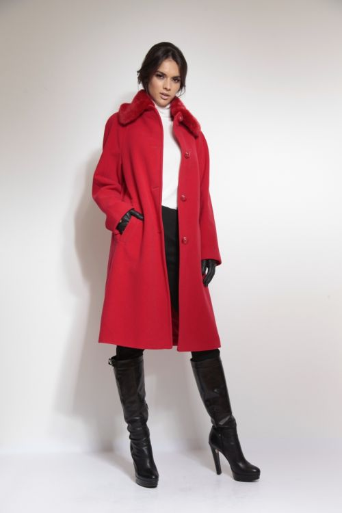 Klasičan crveni ženski kaput s krznom