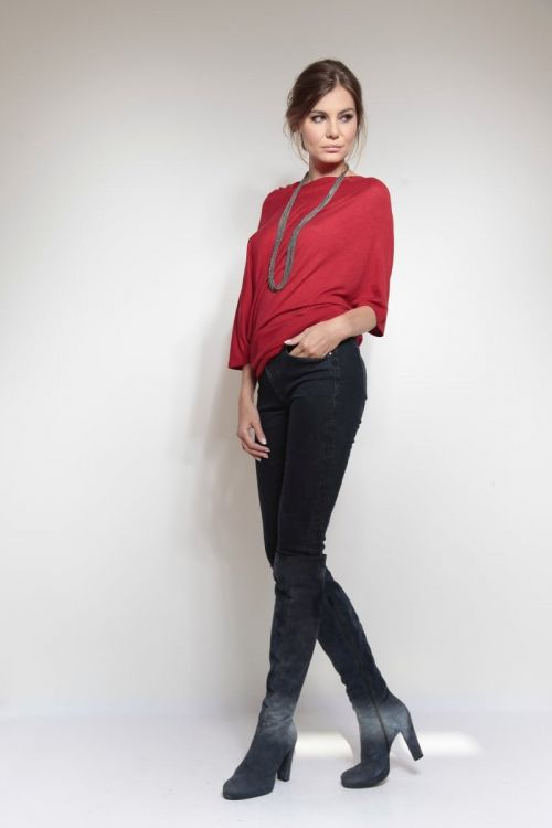 Trendy majica asimetričnog kroja