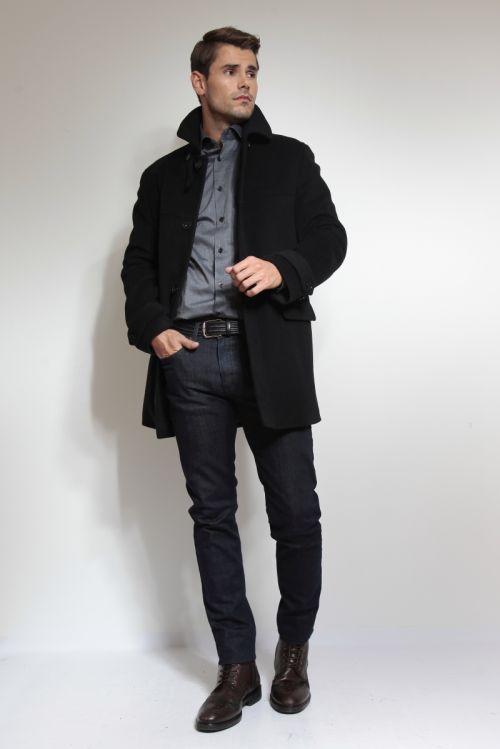 Klasičan crni muški kaput