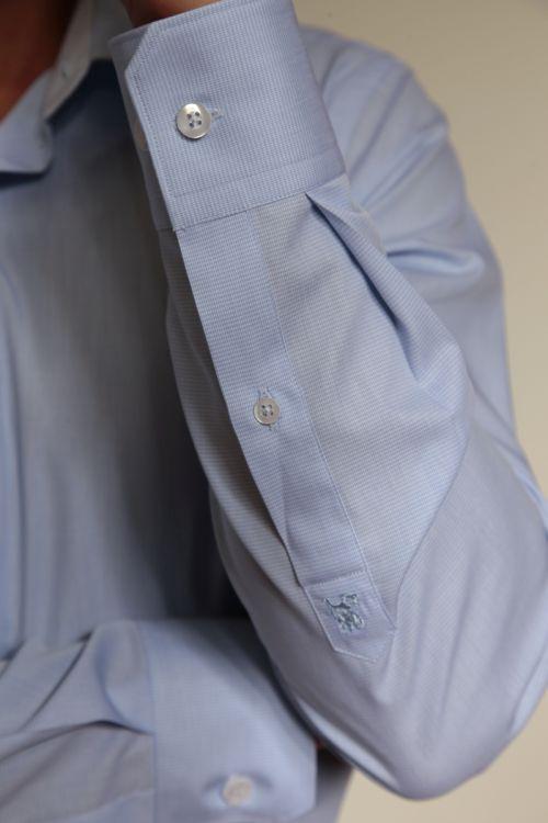 Svijetlo plava košulja dugih rukava s mikro dezenom - Slim fit