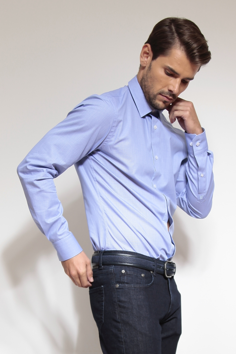 Varteks Light blue long-sleeved shirt with a fine plaid pattern - Slim fit