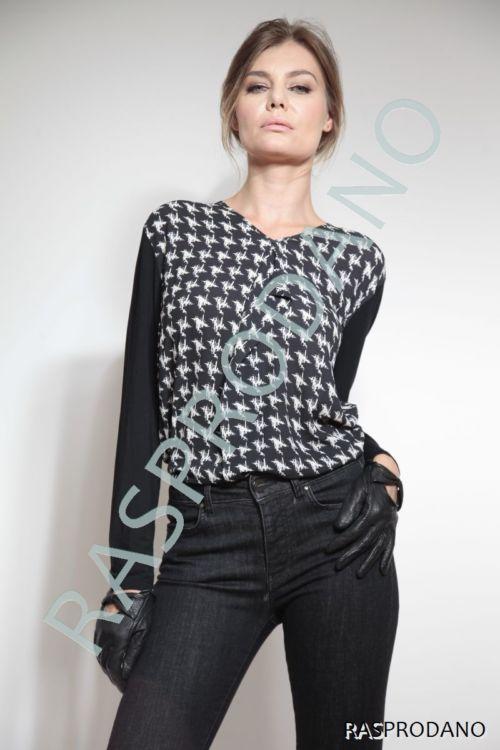 Atraktivna ženska majica s printom