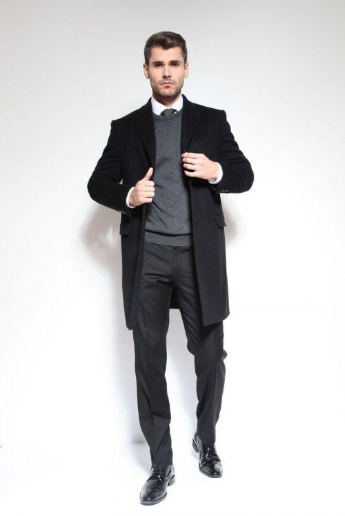 Elegantan crni muški kaput Varteks