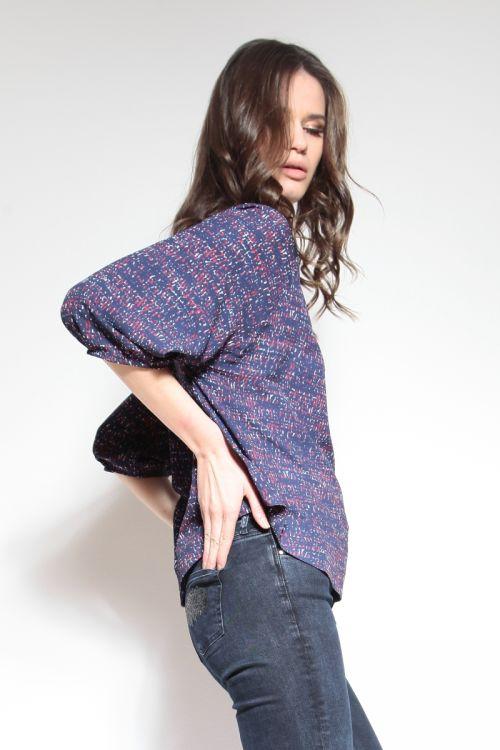 Ženska majica s dva atraktivna uzorka