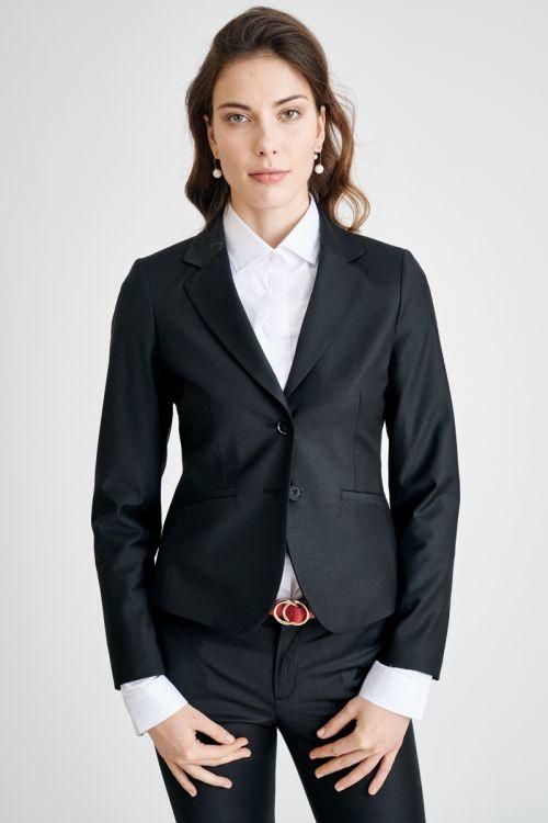 Klasičan kratki ženski sako
