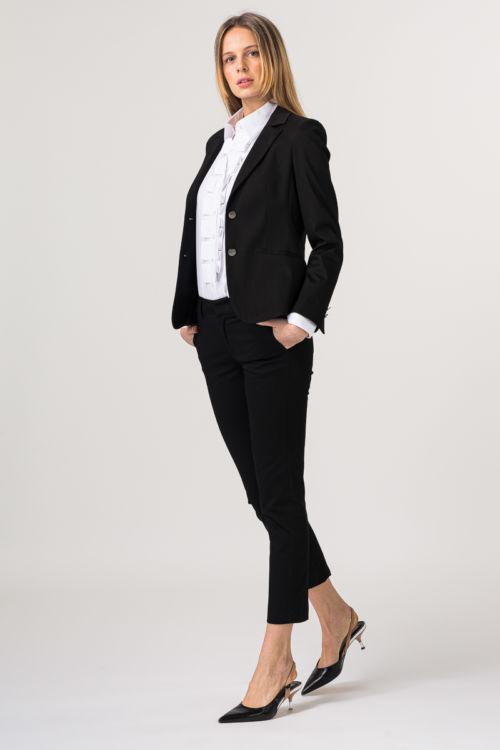 Elegantne poslovne hlače u crnoj boji
