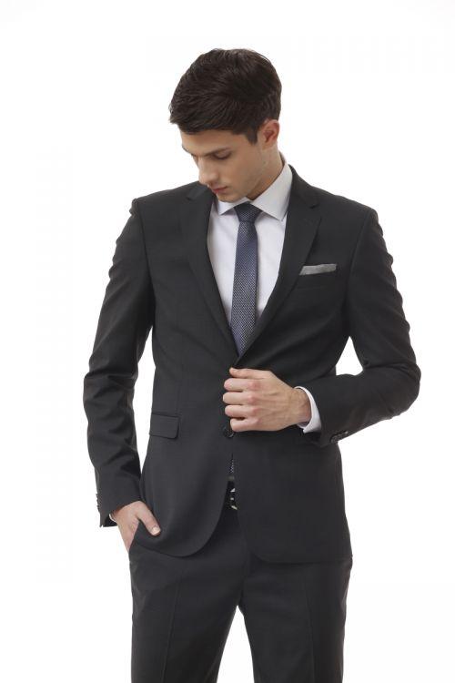Elegantno muško odijelo u dvije boje od runske vune - Slim fit