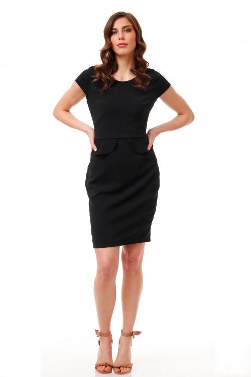 Klasična ženstvena crna haljina