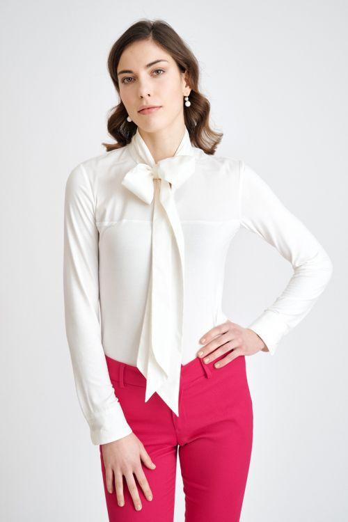 Ženska bluza u dvije boje s mašnom
