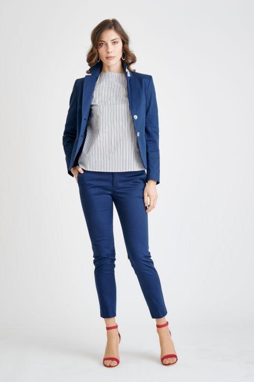 Ženski plavi sako s prugastom kragnom