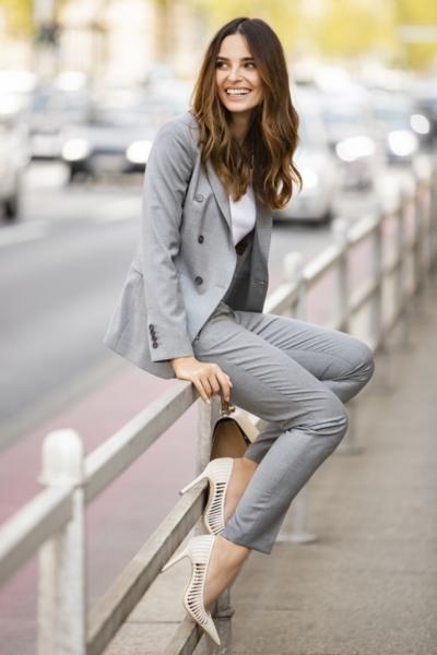 Limited Edition - Ženske sive poslovne hlače