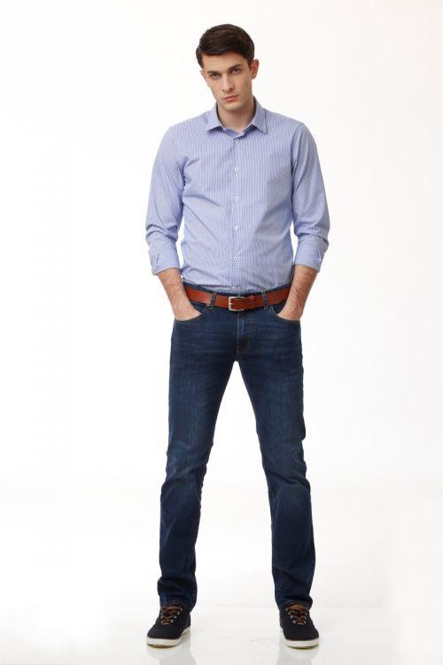 Tamno plave muške traper hlače