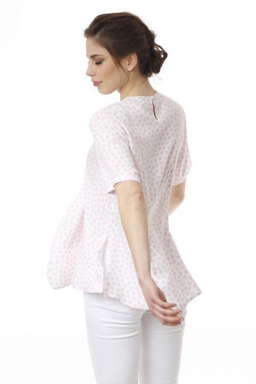 Bijela ženska bluza s točkicama boje pudera