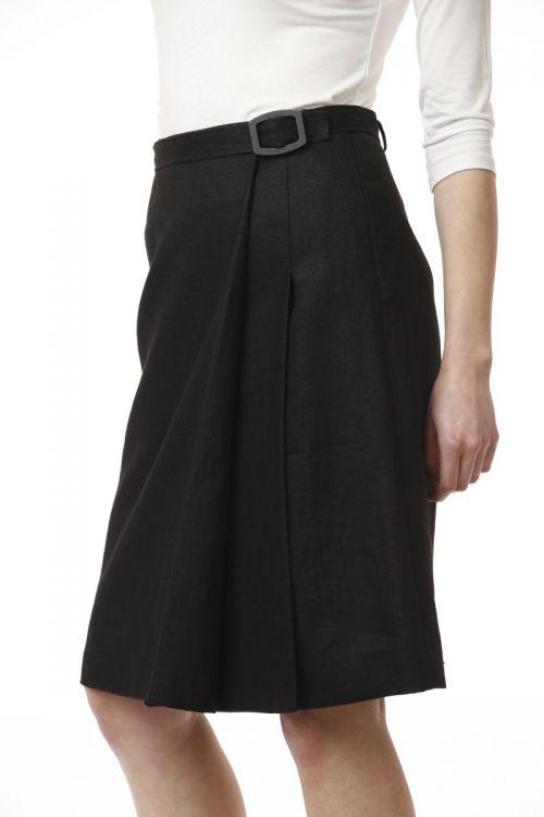 Lanena suknja crne boje s remenom