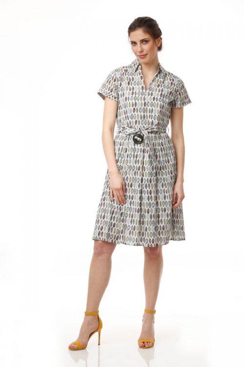 Ženska haljina sive boje s uzorkom i remenom