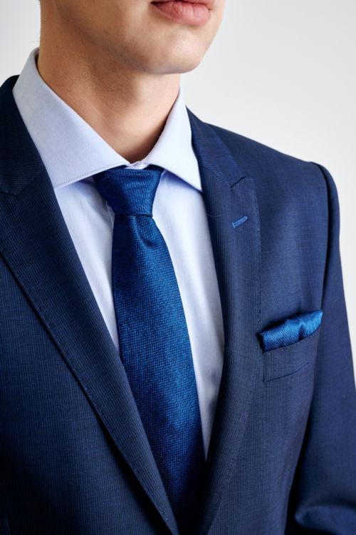 Tamno plavo odijelo s decentnim prugama - Slim fit