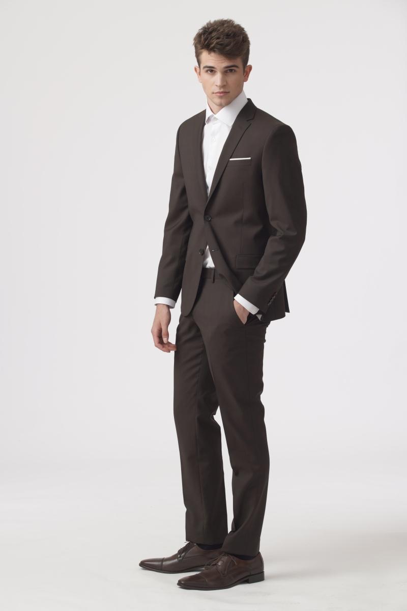 YOUNG Muško odijelo smeđe boje - Slim fit