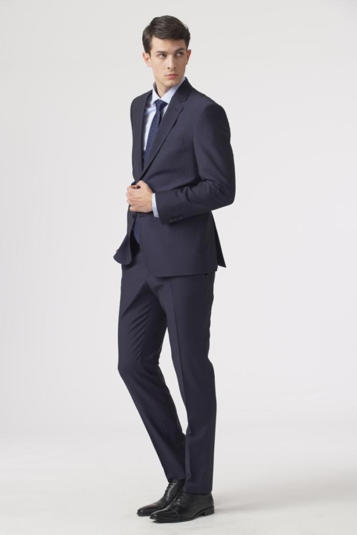 Muško elegantno tamno plavo odijelo - Regular fit
