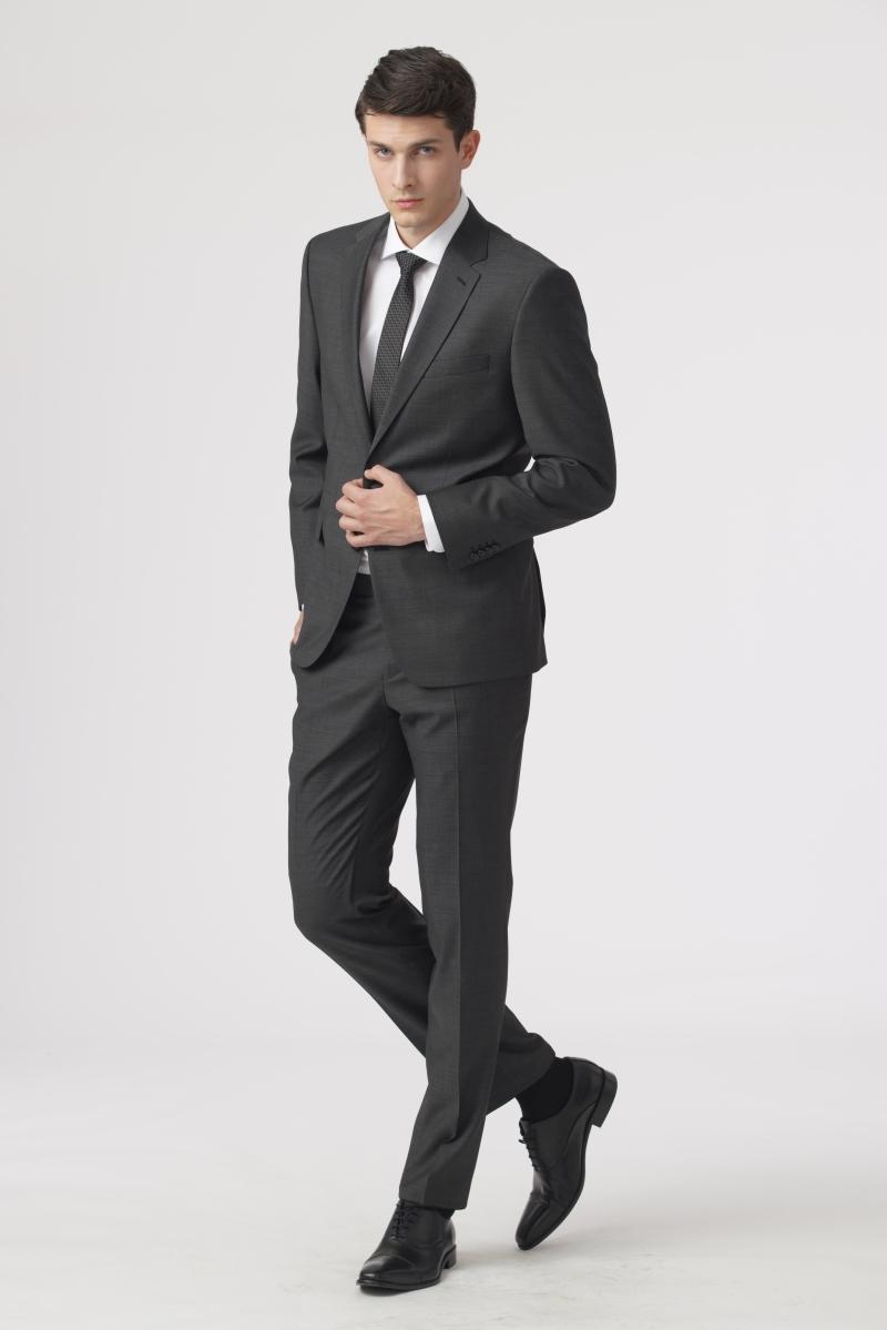 Tamno sivo muško odijelo sa sitnom strukturom - Regular fit