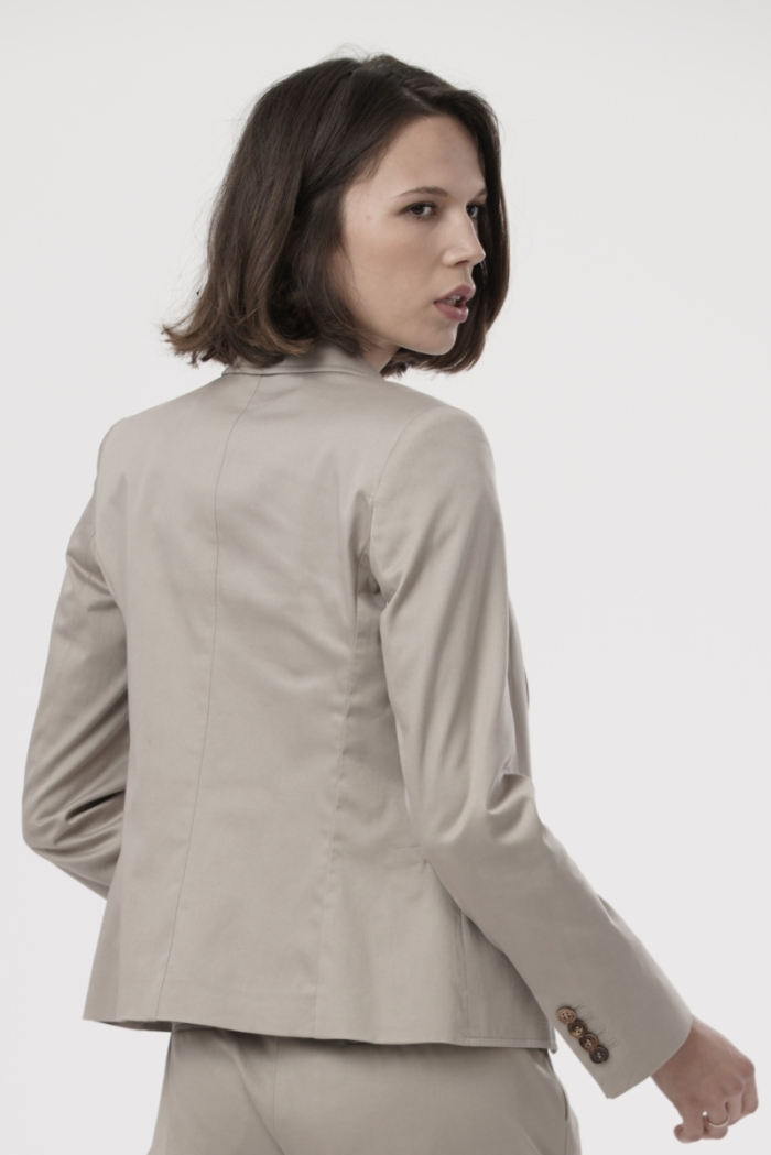 Varteks Classic women's jacket in beige color