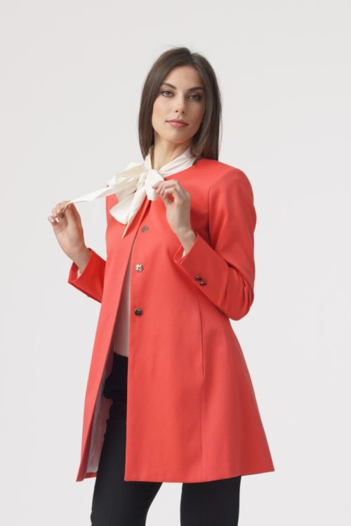Narančasti ženski sako dužeg kroja