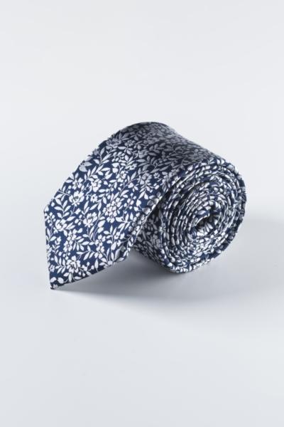 Svilena muška kravata cvjetnog uzorka