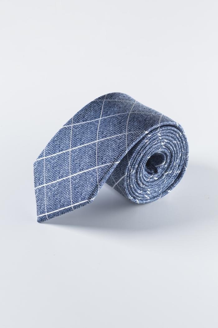 Svilena kravata u tri elegantne boje s uzorkom