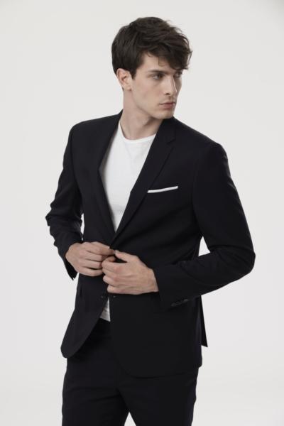 Muški sako klasičnog kroja u crnoj i tamno plavoj boji