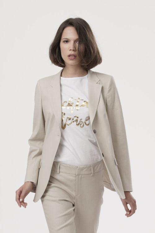 Ženski sako šireg kroja u crnoj i beige boji