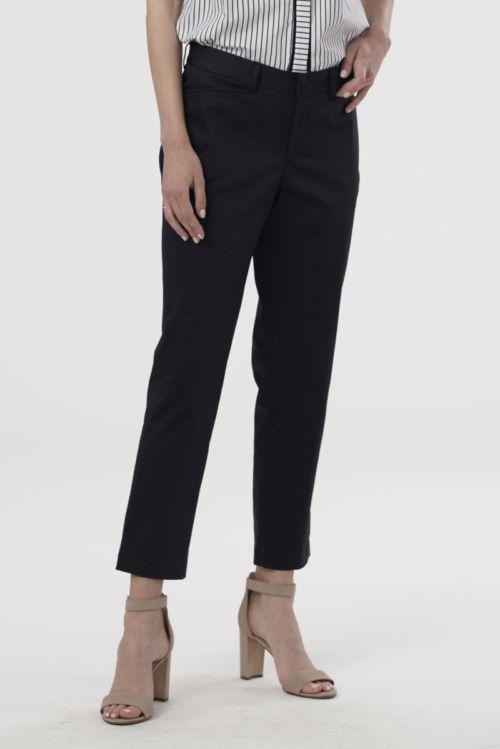 Ženske 7/8 hlače crne boje i ravnog kroja