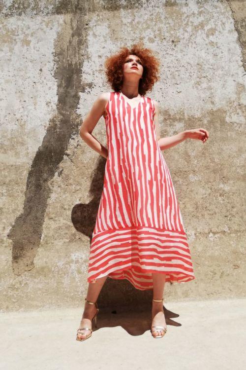 Lepršava ženska haljina A kroja