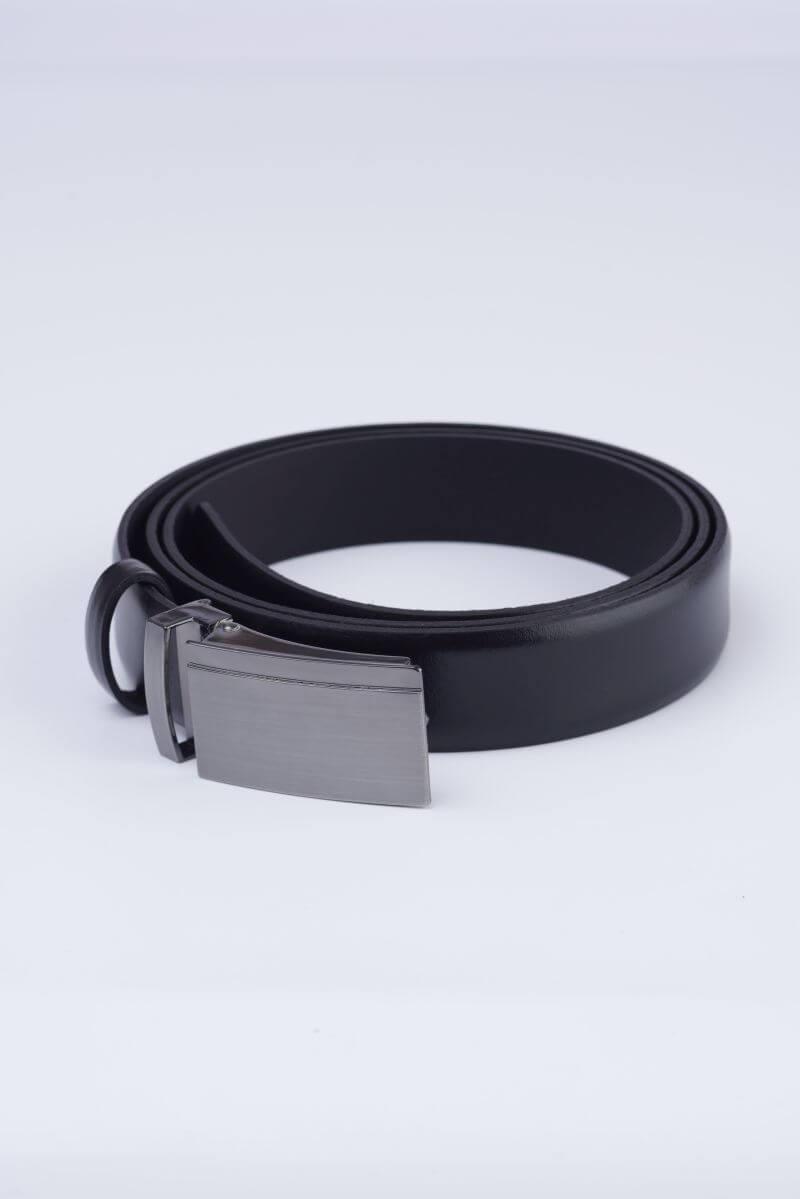 Crni kožni remen