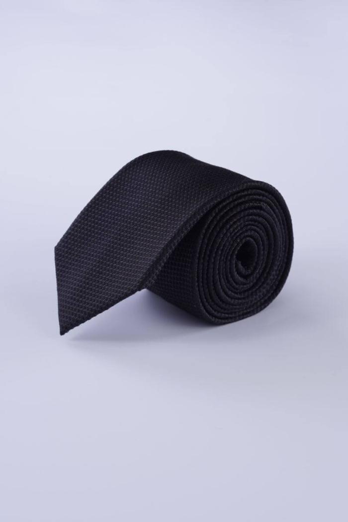 Svilena kravata u četiri boje sa strukturom
