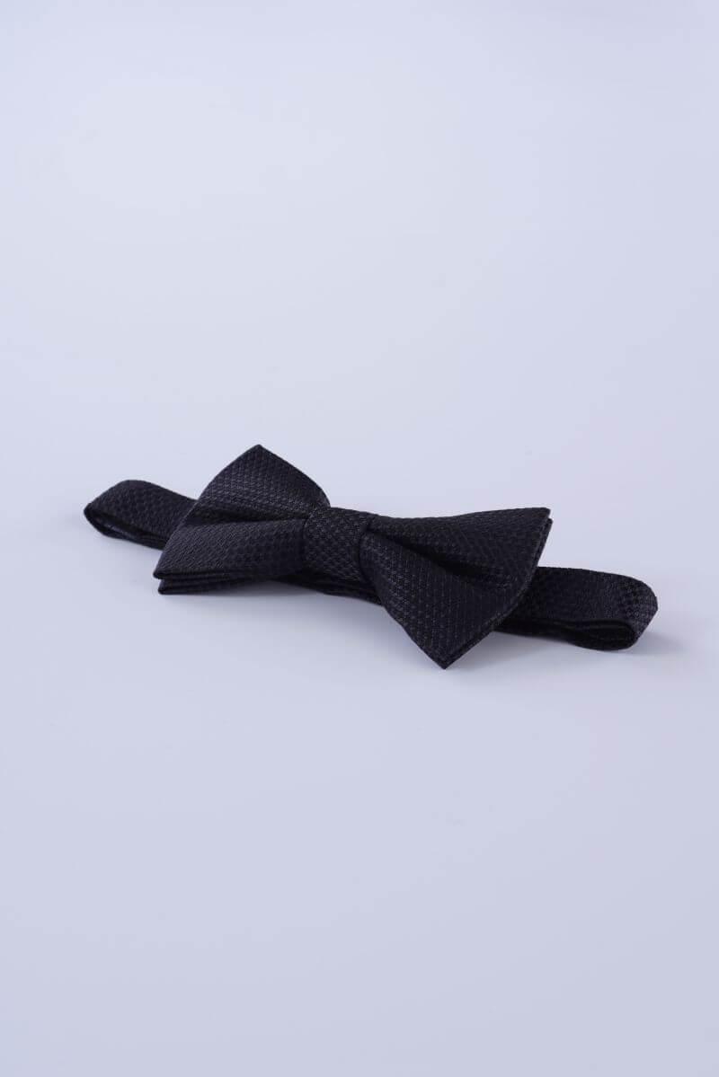 Crna leptir mašna sa strukturom