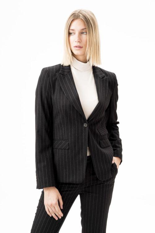 Ženski sako tamno sive boje s prugama