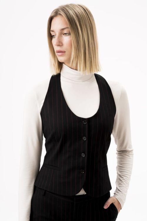 Ženski prsluk od runske vune