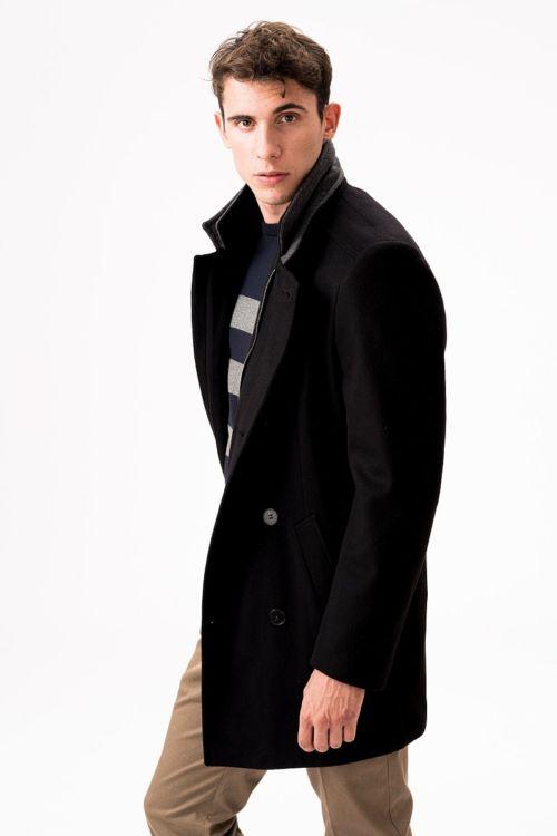 Crni kratki muški kaput od runske vune