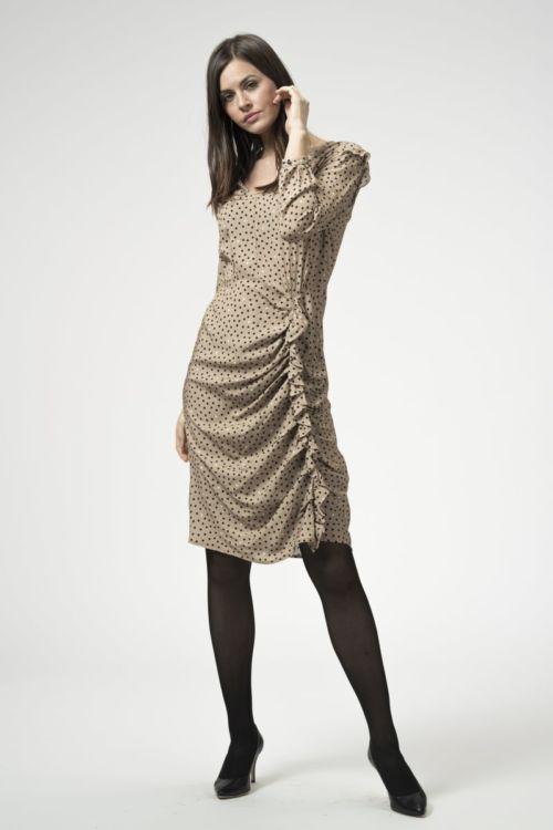 Ženska beige haljina s nabranim detaljem