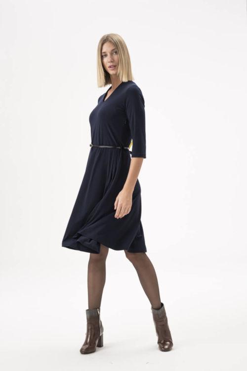 Elegantna haljina s kožnim remenom