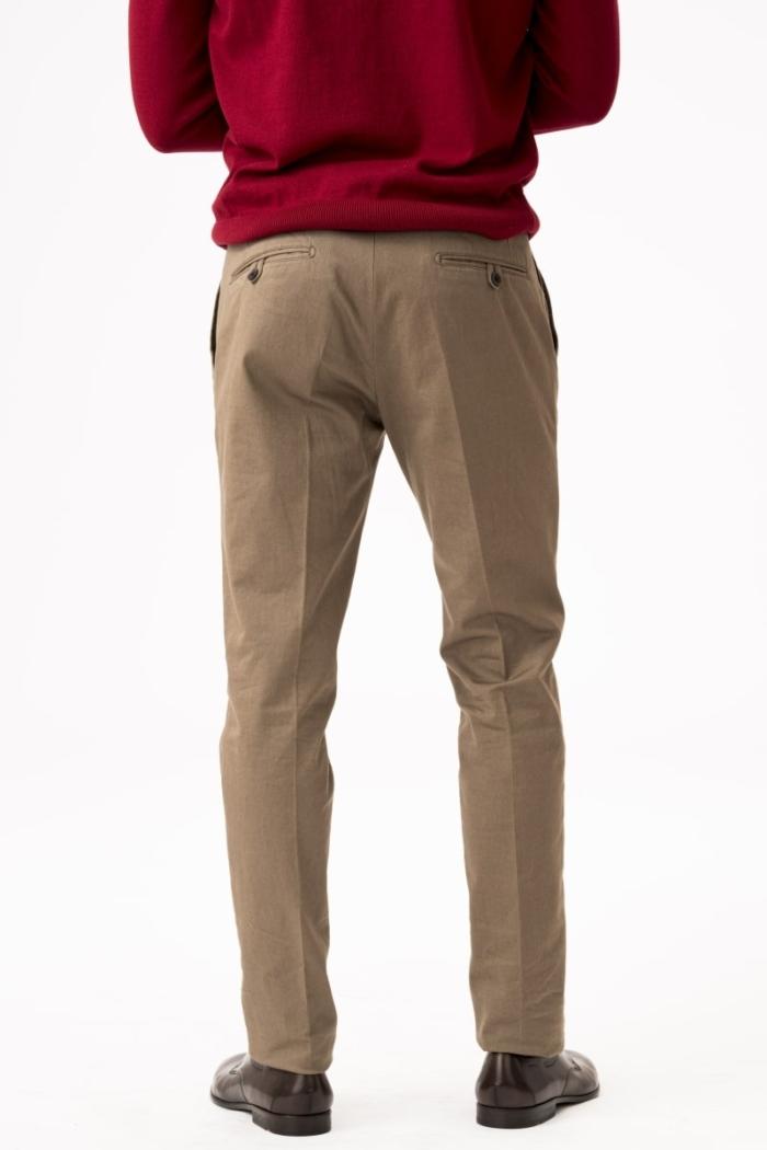 Muške chino hlače u tri klasične boje