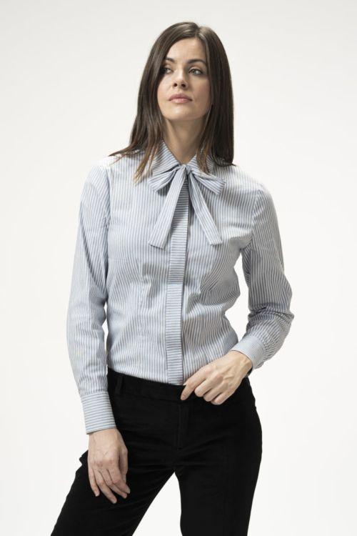 Ženska bluza na prugice s mašnom