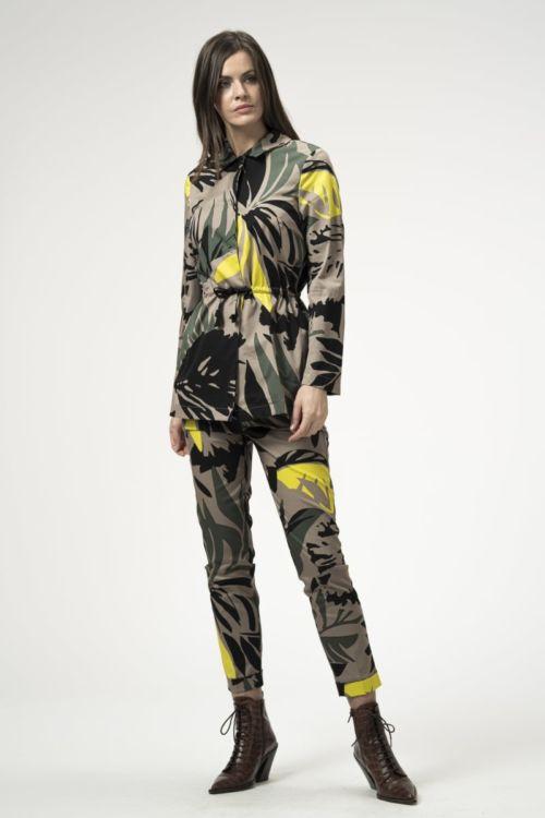 Ženske 7/8 hlače s egzotičnim uzorkom