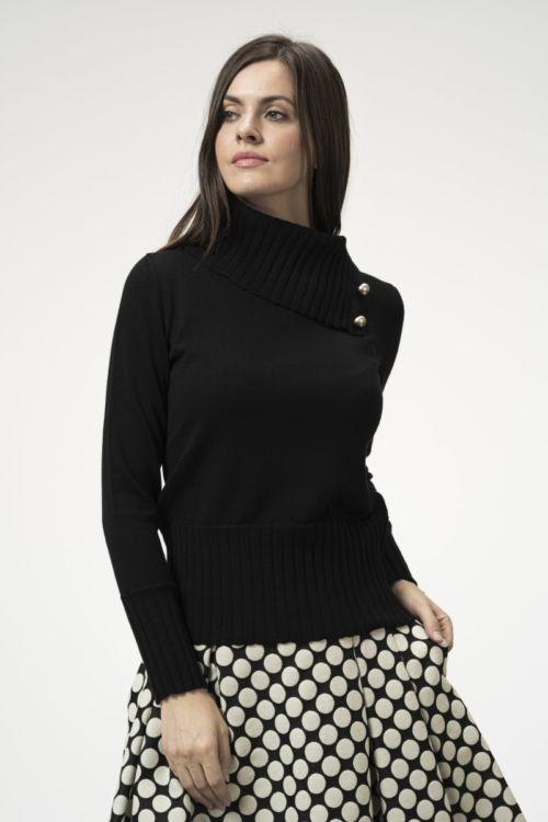 Ženski crni pulover s dekorativnim gumbima