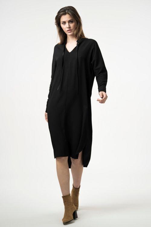 Haljina ležernog ravnog kroja u dvije boje