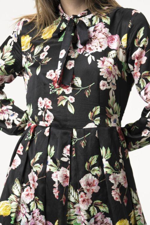 Cvjetna romantična haljina s mašnom