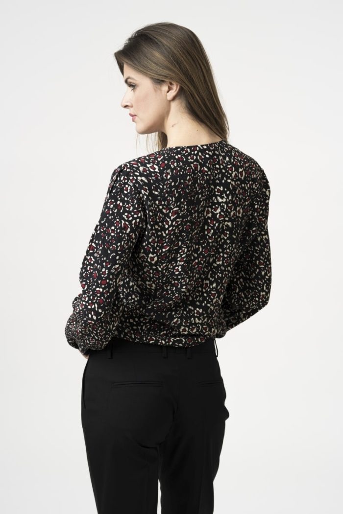 Varteks Women's blouse with a decent pattern in two colors