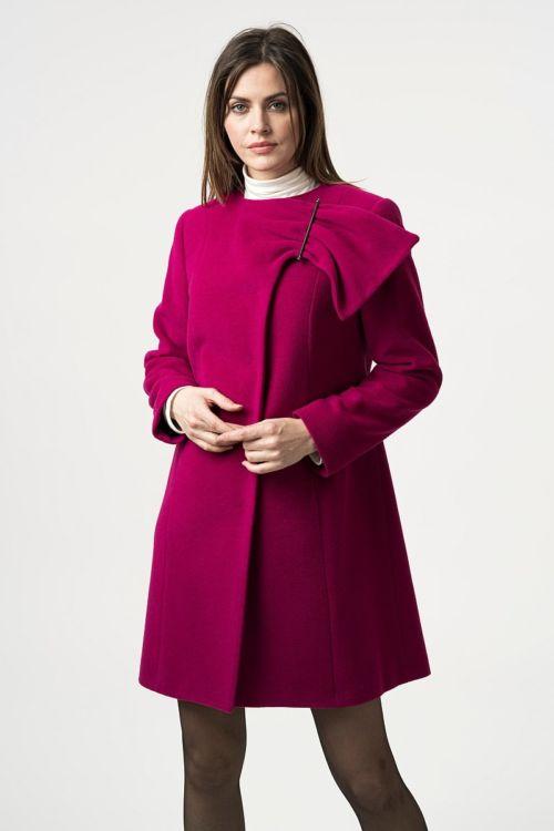 Ženski kratki kaput s efektnom kopčom dvije boje