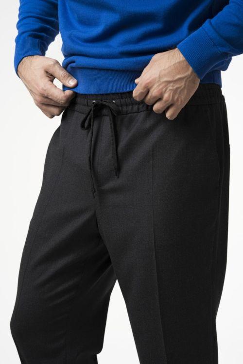 Muške ležerne hlače na vezanje u struku